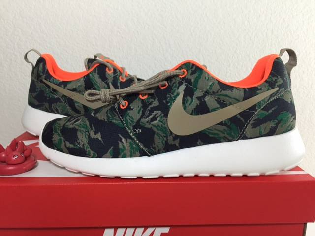 Nike Roshe Run Print Tiger Camo Medium Olive
