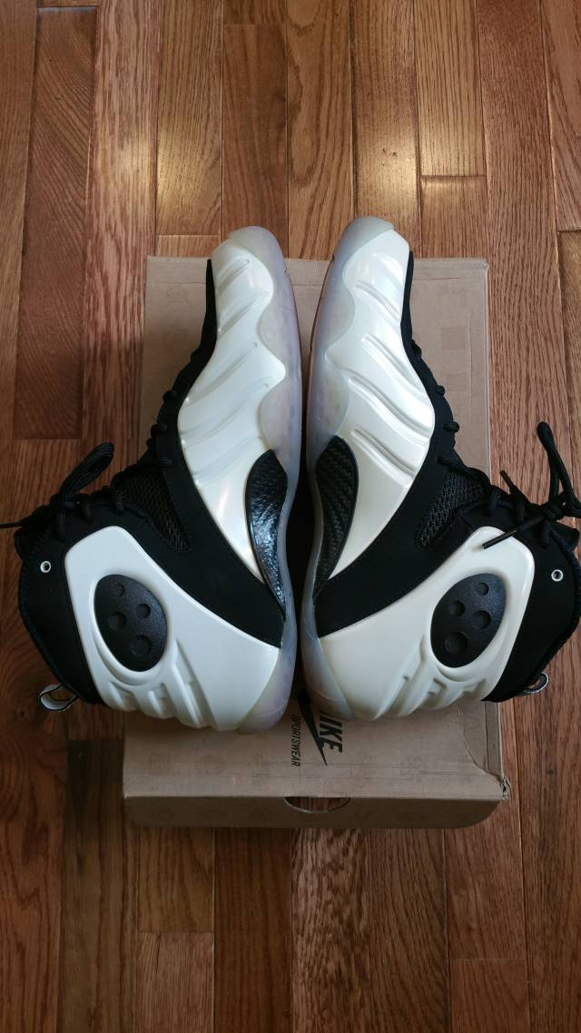 Black/White Nike Zoom Rookies Size 9.5