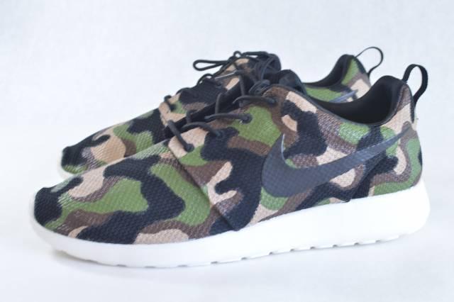 f3fa2b40abb7 Camo Nike Roshe One - Custom Hand Painted Sneakers   Kixify Marketplace