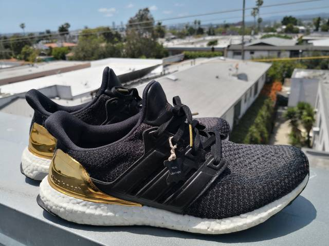 7cd275a78a939 UltraBOOST Olympic GOLD