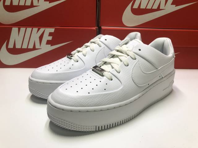 new product b0410 c8db9 Nike Wmns Air Force 1 Sage Low White