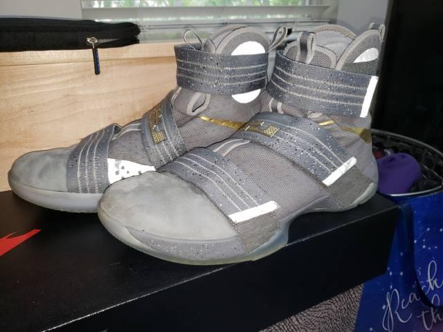 Lebron Soldier 10 'Battle grey