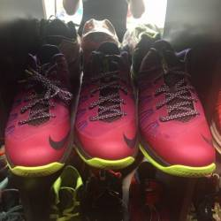 Nike lebron low 9 size 9 and 1...