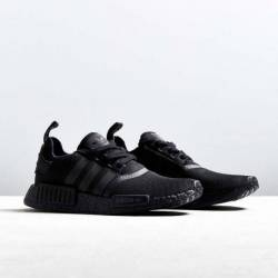 Adidas nmd r1 triple black 2017