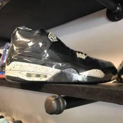 Jordan 4 pre owned oreo size 9.5