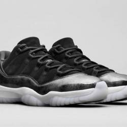 Air jordan 11 low barons black...