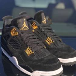 Air jordan 4 royalty size 10.5...