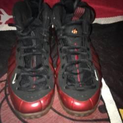 Red metallic foams