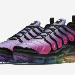 Brand new air vapormax plus be...