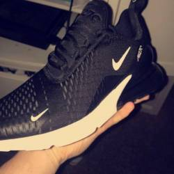 Nike air max 270 black white