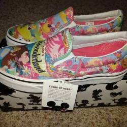 New vans disney alice in wonde...