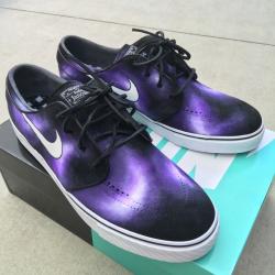 Custom painted purple smoke ni...