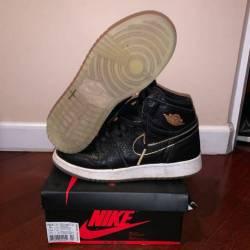 Jordan 1 black+gold size 5