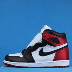 Air jordan 1 wmns satin black toe